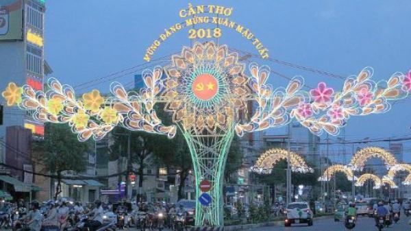 """""""Bừng sáng Tây Đô"""" với đường đèn nghệ thuật Cần Thơ: Đẹp - mới - hiện đại..."""