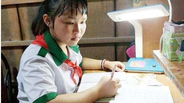 Nỗi lòng cô bé 14 tuổi, mẹ qua đời, thui thủi sống một mình để cha đưa em gái bị ung thư máu đi chữa bệnh nơi xa