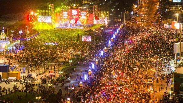 """Khán giả Cần Thơ sẽ được xem trận chung kết U23 qua 4 màn hình LED """"khủng"""" của Tiger Remix"""
