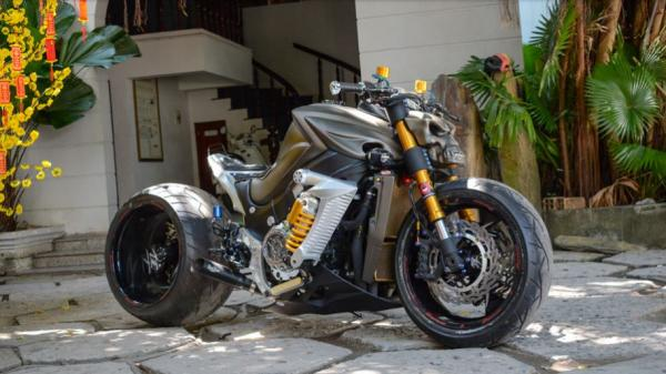 """""""Mục sở thị"""" Suzuki Hayabusa của biker Cần Thơ độ bánh béo và phuộc kéo độc nhất Việt Nam"""