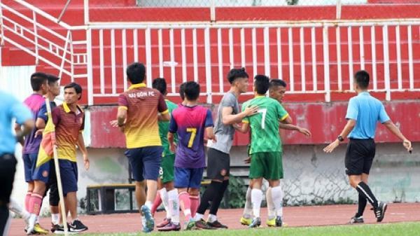 Đá giao hữu, cầu thủ Sài Gòn FC và XSKT Cần Thơ lao vào ẩu đả