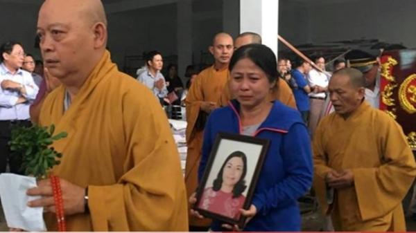 Người thân khóc đưa chủ tịch phường Nguyễn Thái Bình