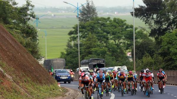 Chặng 8 giải xe đạp truyền hình TP.HCM - Tôn Đông Á: Ngày vui của các tay đua Cần Thơ