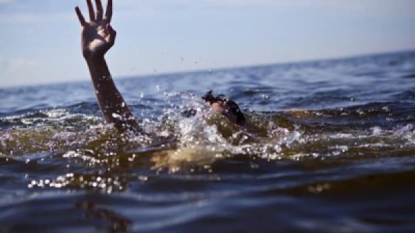 Nóng: Tìm thấy thi thể bé gái 7 tuổi bị rơi xuống sông Hậu trong lúc đi phà ở miền Tây