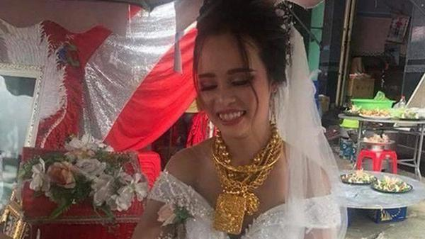 Sự thật không ngờ về cô dâu đeo 129 cây vàng trong ngày cưới
