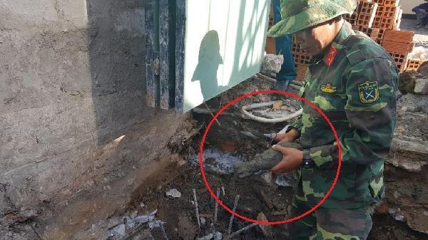 Phát hiện đạn cối khi đào móng nhà tại Cần Thơ