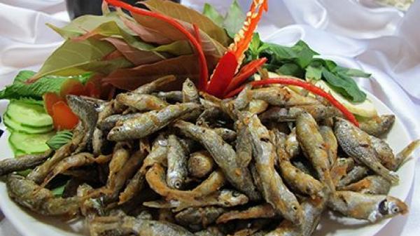 Món ngon: Cá linh mùa nước nổi, ăn một lần nhớ mãi