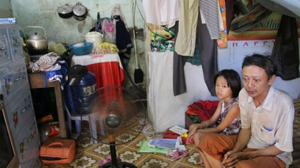 Tình yêu của người cha nghèo bệnh tật với 2 con nhỏ trong căn nhà 15m vuông giữa phố