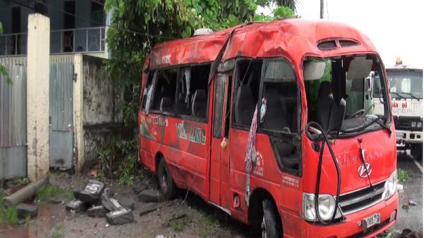 Tai nạn nghiêm trọng trên QL91 hướng Cần Thơ - An Giang: Lật xe khách khiến 2 người tử vong, 10 người bị thương