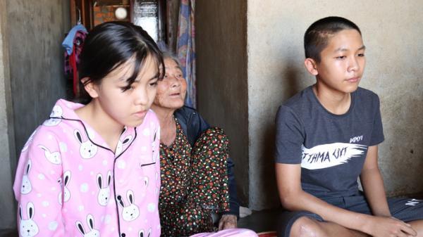 Đắk Nông: Hơn 100 triệu đồng ủng hộ 2 chị em bị người s.a.y r.ư.ợ.u t.ô.n.g