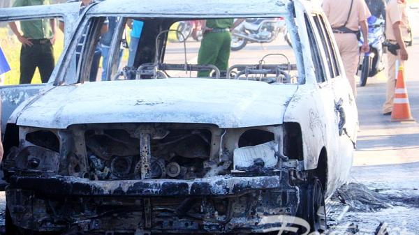 Vụ xe 7 chỗ cháy bất thường: Khởi tố vụ án hình sự 'Giết người' và 'Hủy hoại tài sản'