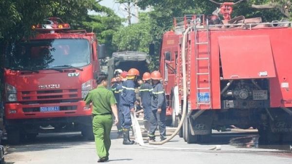 Cháy lớn tại công ty may mặc trong KCN Tân Thới Hiệp, hàng trăm công nhân hoảng sợ bỏ chạy