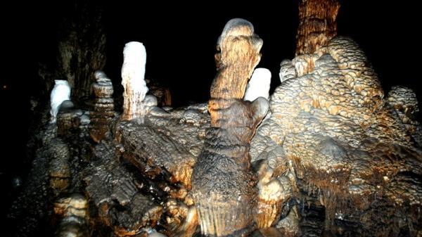 Khám phá kỳ thú hang động ở Cao Bằng: Báu vật đất trời trải qua hàng triệu năm ban tặng