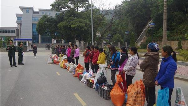 Biên phòng Cao Bằng: Đón nhận 20 công dân XNC trái phép do Trung Quốc trao trả