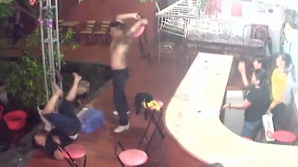 Ra khỏi quán karaoke, nam thanh niên bị tấn công đến chết
