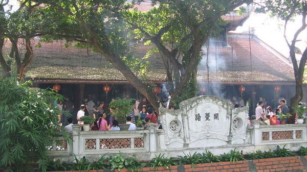 """Đi lễ chùa Hà cầu duyên và niềm mong mỏi """"đi thì lẻ bóng, về thì có đôi"""""""
