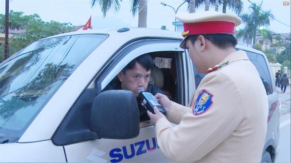 Cao Bằng: Ra quân kiểm tra nồng độ cồn người điều khiển phương tiện giao thông