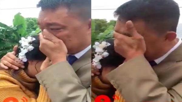 """Bố khóc nức nở đưa con gái về nhà chồng: """"Nhà có 2 mụn con gái giờ đi một đứa, bao giờ đứa kia đi nốt thì bố trắng tay"""""""