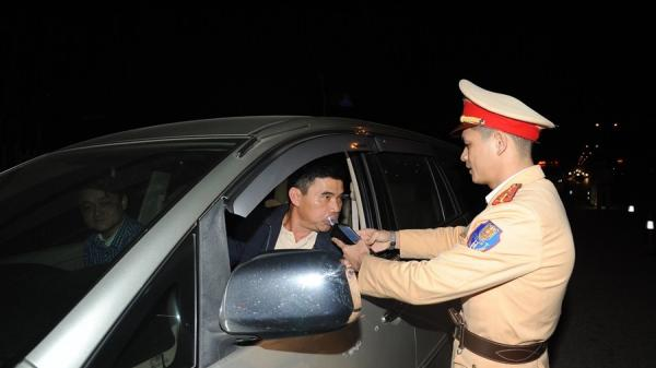 CSGT tỉnh Cao Bằng ra quân kiểm tra nồng độ cồn người điều khiển phương tiện giao thông