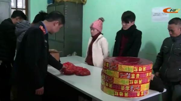 Trùng Khánh (Cao Bằng): Bắt 3 đối tượng vận chuyển hàng trăm kg hàng nhập lậu từ Trung Quốc về tiêu thụ