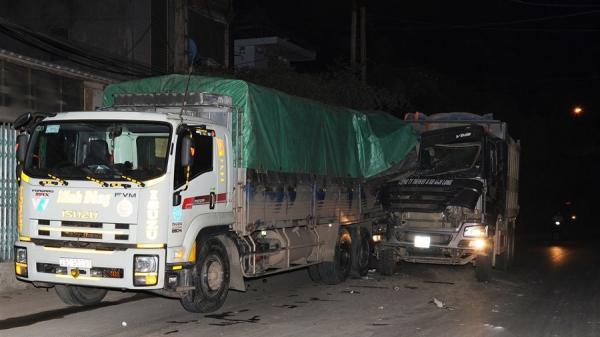Cao Bằng: Kinh hoàng 2 ô tô tải va chạm trong đêm