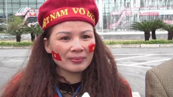 Mẹ Quang Hải bật khóc nói về khoảnh khắc đồng đội gạt tuyết cho con đá phạt xé lưới đối thủ