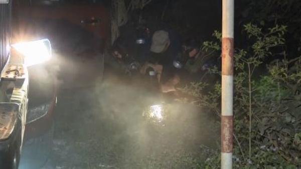 Clip: Thót tim cảnh 50 cảnh sát bao vây, truy đuổi hai kẻ vận chuyển 288 bánh heroin tại Cao Bằng