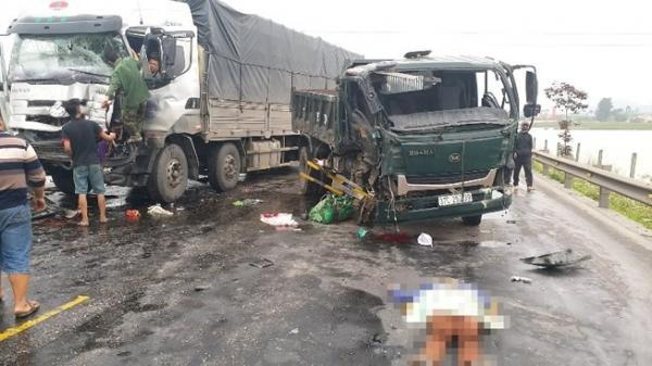 Tai nạn giao thông kinh hoàng: Va chạm xe container, vợ chết thảm, chồng nguy kịch