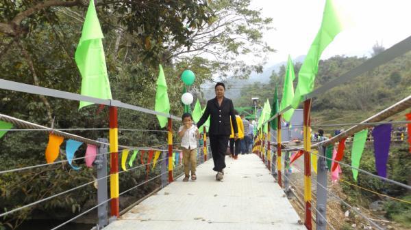 Cao Bằng: Khánh thành cầu treo Nà Vả - Nà Dủ bắc qua sông Hoằng Tát