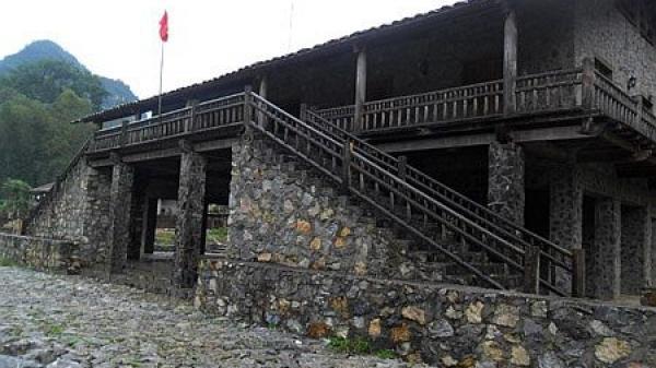 Lên Cao Bằng thăm làng đá Khuổi Kỵ