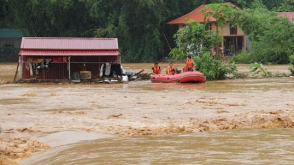 9 người chết, 2 người mất tích do mưa lũ