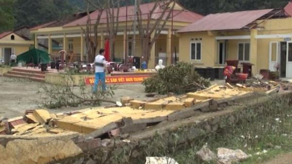 Cao Bằng: Khung cảnh hoang tàn, 500 ngôi nhà bị tốc mái sau mưa đá