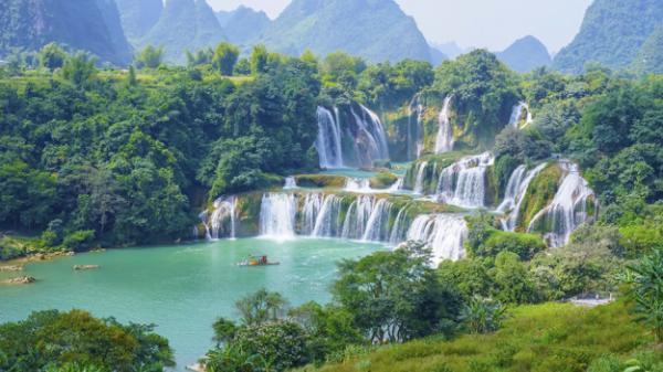 Sôi động các tua du lịch nghỉ lễ 30-4 và 1-5, Cao Bằng trở thành một trong số những địa điểm được nhiều bạn trẻ lựa chọn