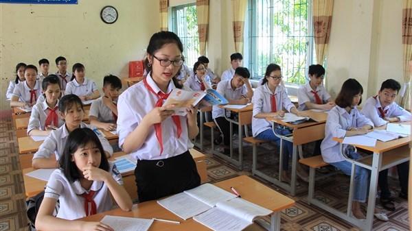 """Trương Bảo Nhi - Học sinh xuất sắc được tỉnh đoàn trao tặng bằng khen và danh hiệu """"Thủ lĩnh trẻ tương lai"""""""