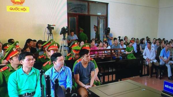 Chuyện về một bị cáo đặc biệt: Bác sĩ từng tốt nghiệp Đại Học Y Dược Thái Nguyên - Hoàng Công Lương