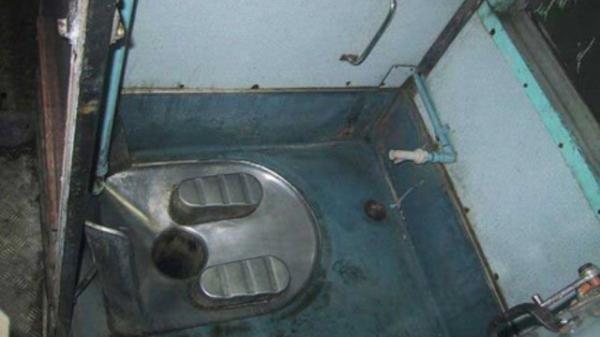 Nóng: Phát hiện thi thể người đàn ông đang phân hủy trong nhà tắm