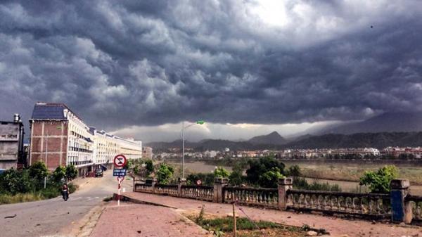 Dự báo thời tiết: Cảnh báo thời tiết nguy hiểm, vài ngày tới sẽ xuất hiện áp thấp nhiệt đới