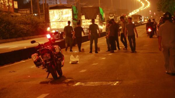 NÓNG: Đang đi trên đường, nam thanh niên bị bắn xuyên qua đầu tử vong