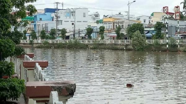 Nóng: Phát hiện thi thể người đàn ông mất tích bí ẩn trong đêm nổi trên sông