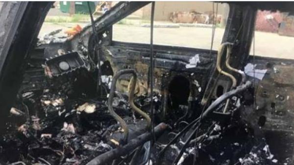 Kinh hoàng,điện thoại Samsung phát nổ, chủ xe ôtô suýt mất mạng
