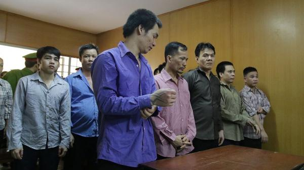 Giang hồ Hải Phòng cùng đệ tử chuyên 'ăn trên thân xác người chuyển giới' hầu tòa