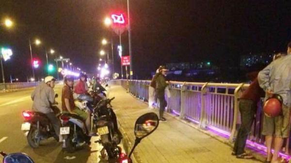 Nam thanh niên bỏ lại xe máy, nhảy sông mất tích sau trận Đức thua Mexico
