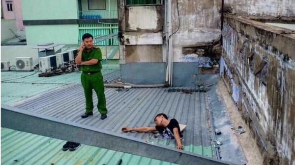 Công an công bố SỰ THẬT về nam thanh niên ăn trộm bị điện giật chết ngay trên mái nhà