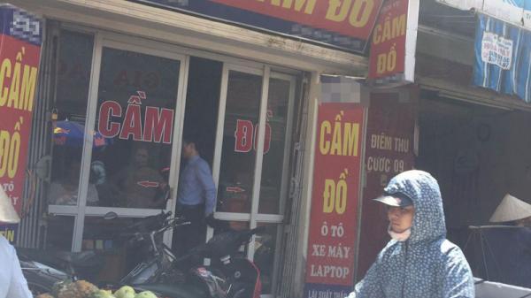 Thua đau vì Argentina: Dân cá độ cầm 500 chiếc smartphone, tiệm cầm đồ cháy két