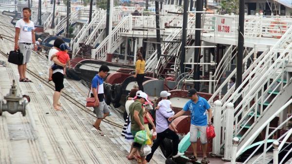 Quảng Ninh: Áp dụng khung giá mới dịch vụ vận chuyển khách tham quan du lịch trên vịnh Hạ Long, vịnh Bái Tử Long