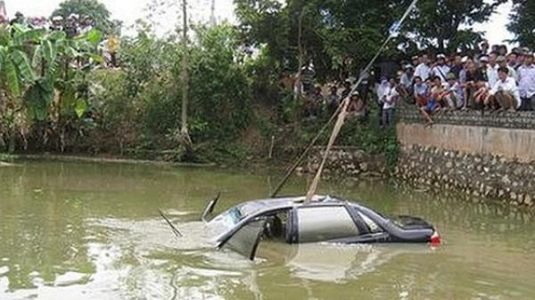 Tài xế gọi điện cầu cứu trước khi t.ử v.o.n.g trong ô tô dưới ao là cán bộ Sở Giao thông