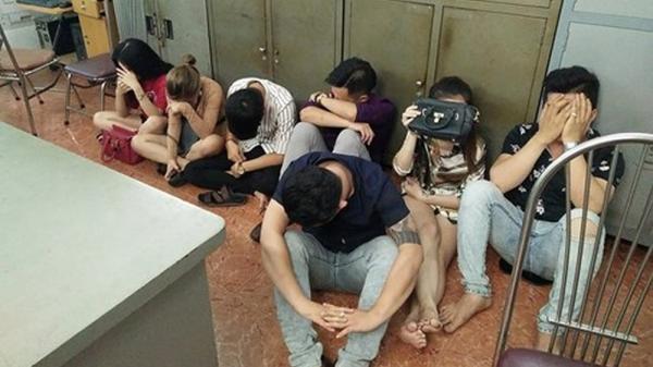 Quảng Ninh: Bắt nhóm đối tượng nam thanh nữ tú tàng trữ trái phép vũ khí và ma túy