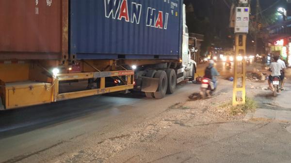 Va chạm với xe đầu kéo container Hải Phòng, người phụ nữ tử vong tại chỗ