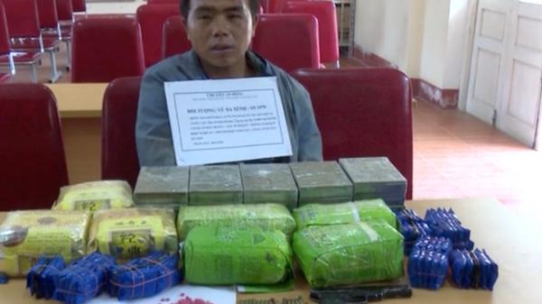 Nóng: Thầy giáo mang vũ khí đi giao dịch cả yến ma túy