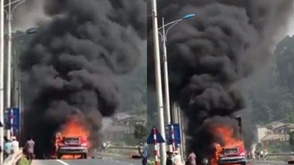 Xe container đang lưu thông bất ngờ bốc cháy trên quốc lộ gần như bị thiêu rụi hoàn toàn